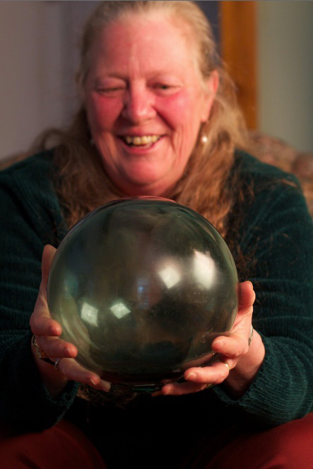 Wendy-laughing-with-ball