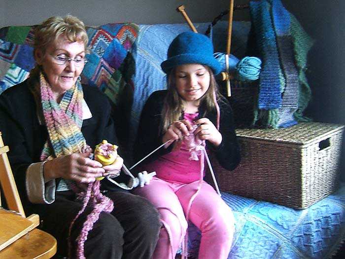 old-and-young-knitting